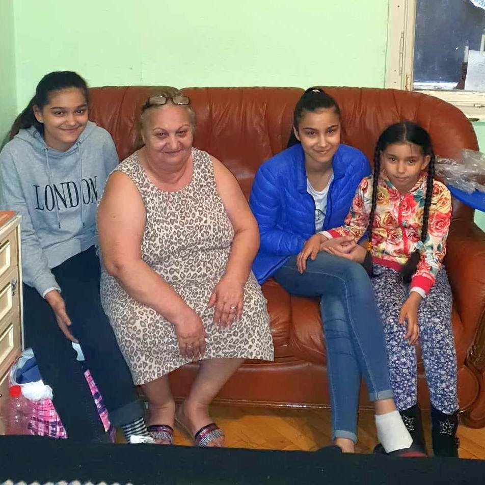 Ilona és unokái vágott